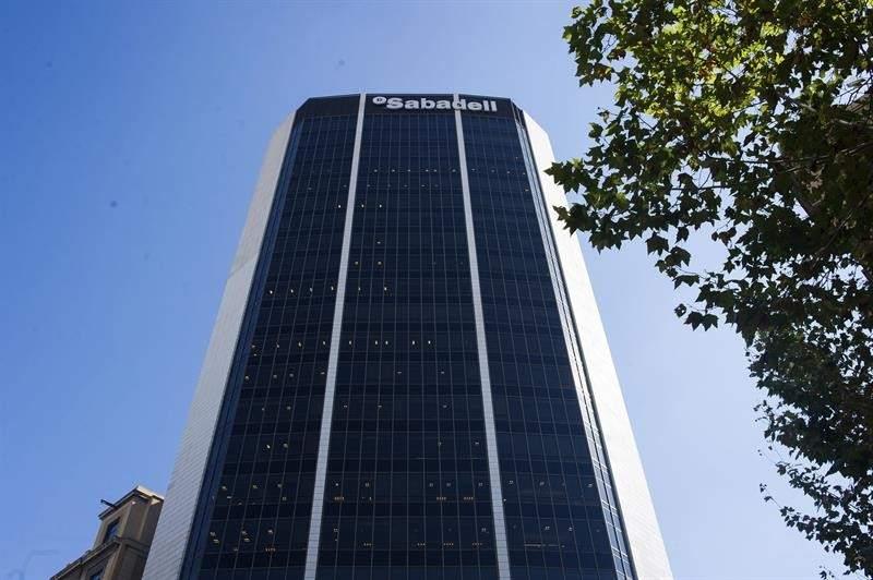 Banco sabadell 130 a os de historia en catalu a for Pisos banco sabadell