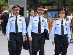 El Gobierno asumirá el mando de los Mossos y TV3