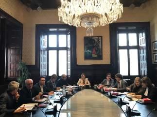 Los miembros de la Mesa del Parlament de Catalunya.