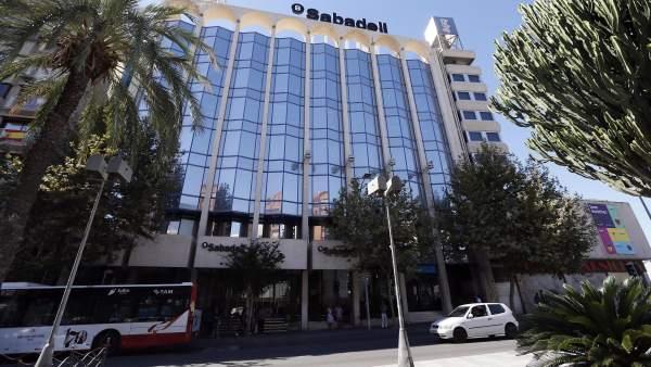 El 57% de las empresas que se trasladan a la Comunitat Valenciana lo ...