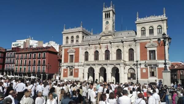 Valladolid.- Centenares de vallisoeltanos acuden a la iniciativa '¿Hablamos?'