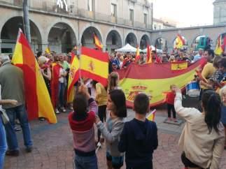 Concentración en Ávila en apoyo  en apoyo a las fuerzas del orden y por el diálo