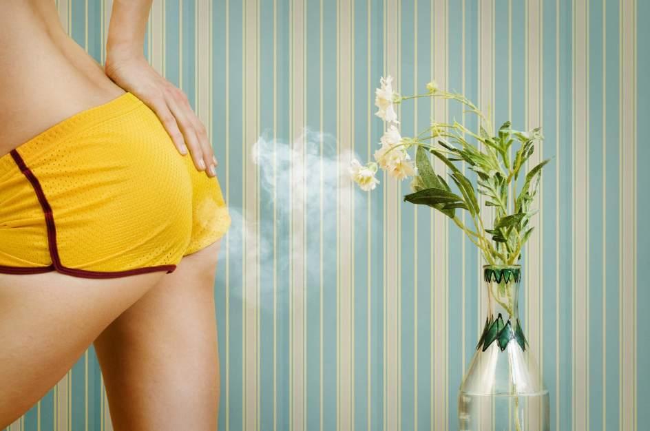 El motivo por el que nuestros gases huelen mal y más en el caso de las mujeres