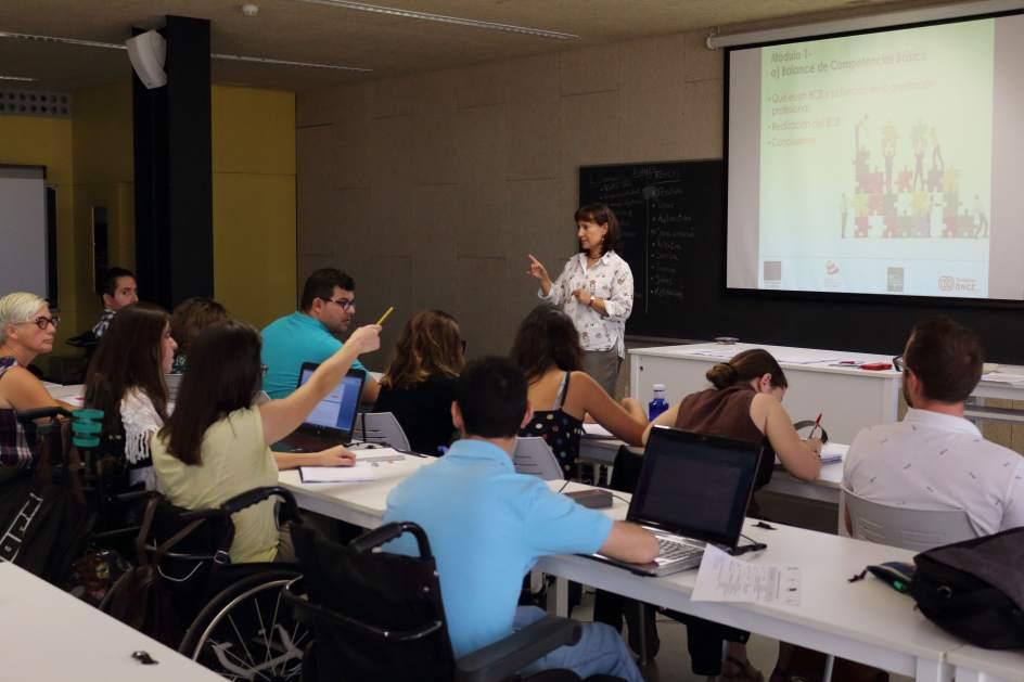 Arranca en la upo un curso de formaci n para la b squeda for Pisos estudiantes almeria