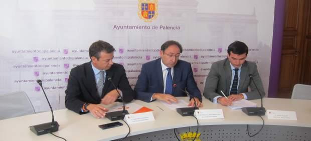 El alcalde, el portavoz de Ciudadanos y el concejal de Hacienda