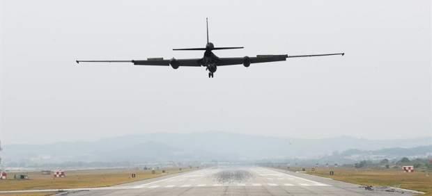 Avión militar de EE UU en Corea del Sur