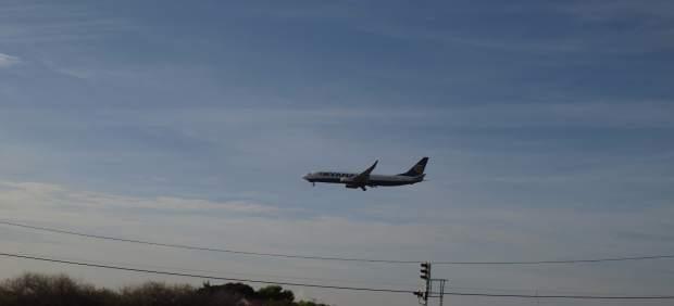 Un aparato toma tierra en el aeropuerto Alicante-Elche la semana pasada