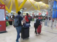 El servicio de vigilancia y control de pasajeros de Barajas irá a la huelga en Navidad