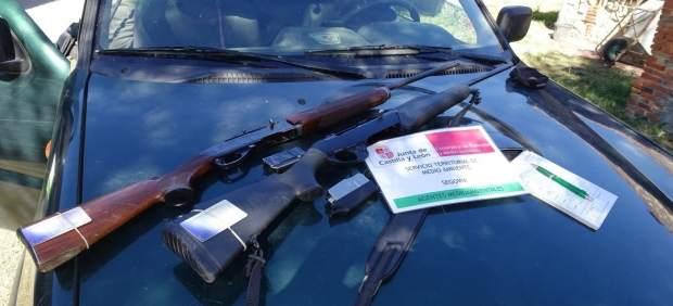 Rifles decomisados por la Guardia Civil.