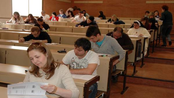 Universidad de mayores, exámenes