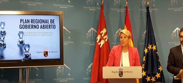Noelia Arroyo presenta el Plan Regional de Gobierno Abierto