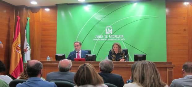 Felipe López y Ana Cobo presentan los presupuestos de la Junta para 2018.