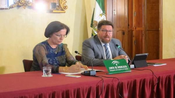 La delegada de la Junta en Almería y el consejero de Agricultura