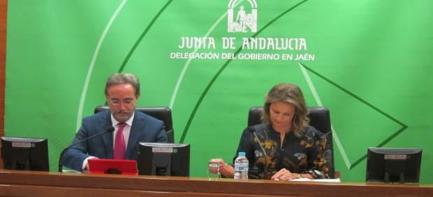 López y Cobo presentan el proyecto de presupuestos de la Junta para 2018.