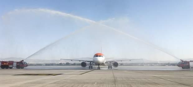 Primer vuelo de la ruta aérea de easyJet que conecta Granada con Mánchester