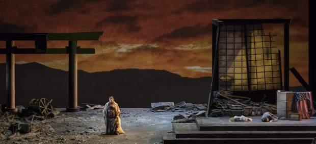 Un momento de la representación de 'Madama Butterfly' en Les Arts