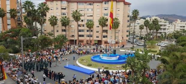 Homenaje a la bandera de España en Almuñécar (Granada)