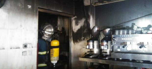 Incendio en un bar de Ubrique (Cádiz)