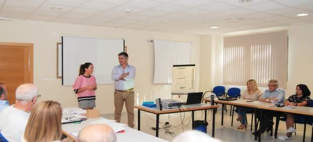 Gema Pérez en una reunión con los mediadores del Sercla