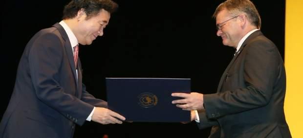 Profesor antonio Domenech recibe orden merito cultural de Corea UMA profesor