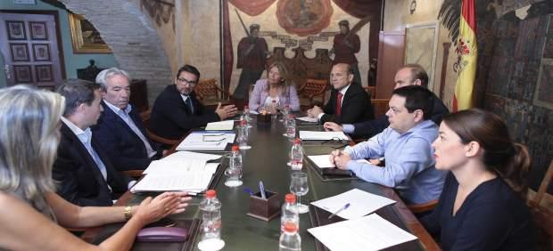 Alcaldesa de Marbella málaga reunión patronato de recaudación carlos garcía gere