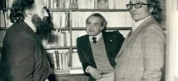 Gabriel Aresti con Santiago Aizarna y Ángel Ortiz