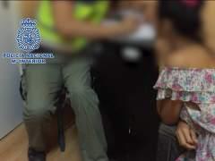 Detenida una pareja que regentaba un piso en el que explotaban a travestis