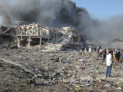 Al menos 85 muertos en los atentados de Mogadiscio