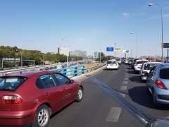 Atascos de más de una hora en la M-30 en la vuelta del puente del Pilar