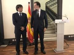 Moncloa sugiere a Puigdemont que evite el 155 con elecciones