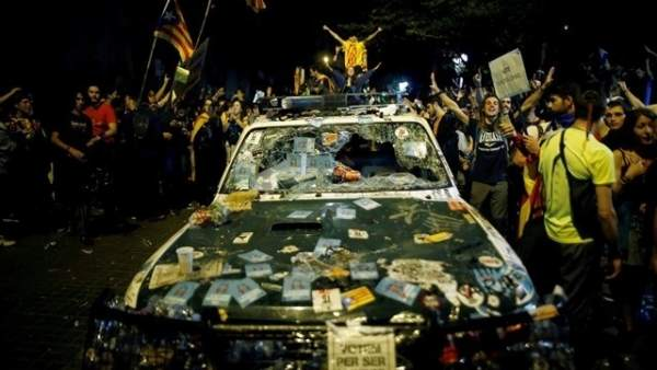 Vehículo de la Guardia Civil destrozado el 20 de septiembre en Barcelona
