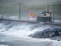 El huracán Ofelia deja tres víctimas mortales en Irlanda