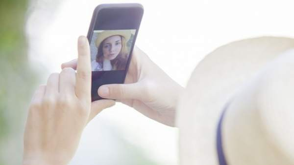 Mujer con smartphone