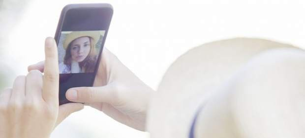 La CNMC propone rebajar los precios mayoristas del móvil más del 40%