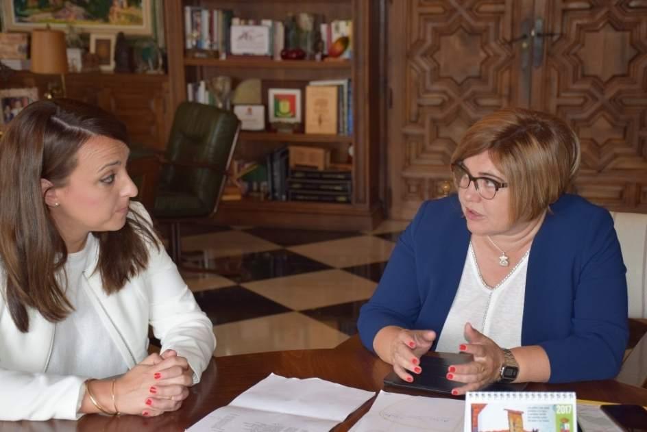 La diputaci n de c ceres crea su oficina europa para for Oficina de empleo caceres