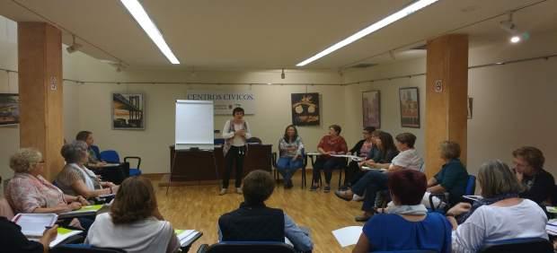 Asistentes a uno de los talleres celebrados en Tudela.