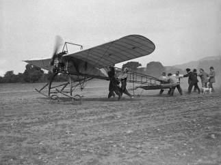 Una de las imágenes de la exposición sobre la aviación oscense