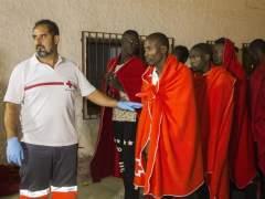 Rescatados un centenar de inmigrantes frente a las costas españolas