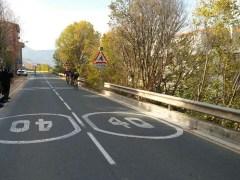 La DGT prueba un sistema que detecta a los ciclistas en la carretera y alerta a los conductores