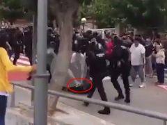La Guardia Civil detiene a un joven por dar una patada en la cabeza a un agente el 1-O