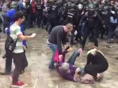 El juez ofrece a todos los heridos denunciar las cargas del 1-O en Barcelona