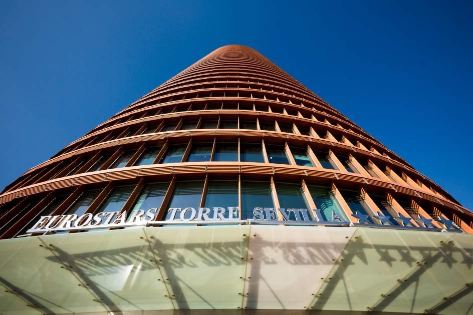 Turismo puerto triana adjudica a fcc las obras de for Hotel eurostar sevilla