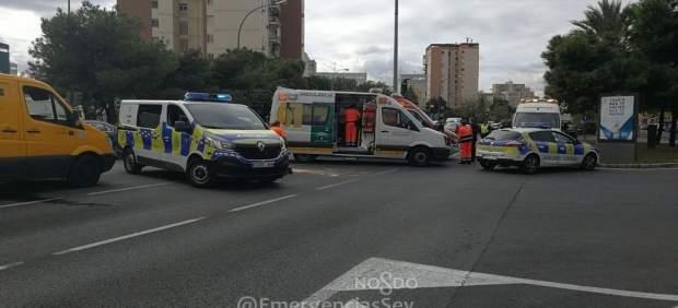 Atropello de una mujer en la avenida de Kansas City en Sevilla