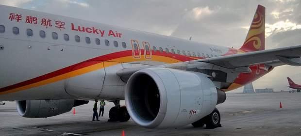 Otra anciana obliga a cancelar un vuelo en China tras tirar monedas al motor del avión