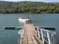 Un plan cercano: en barca por el río Matarraña