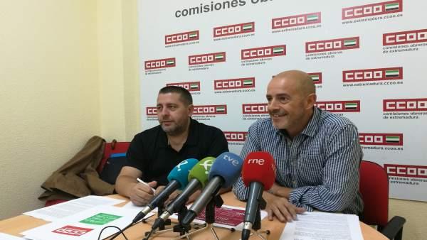 Representantes de la Federación de Enseñanza de CCOO en Extremadura
