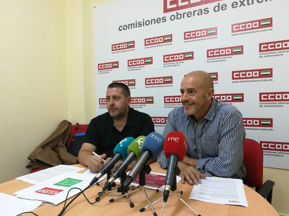 Ccoo propone convocar plazas para docentes hasta el for Plazas de docentes 2016