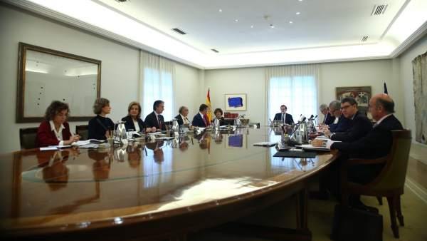 Así ha llegado Rajoy al Consejo de Ministros