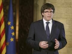 Puigdemont no menciona la independencia y convoca al Parlament