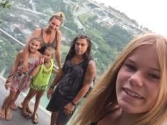 La familia que lo invirtió todo en bitcoins para vivir en un camping